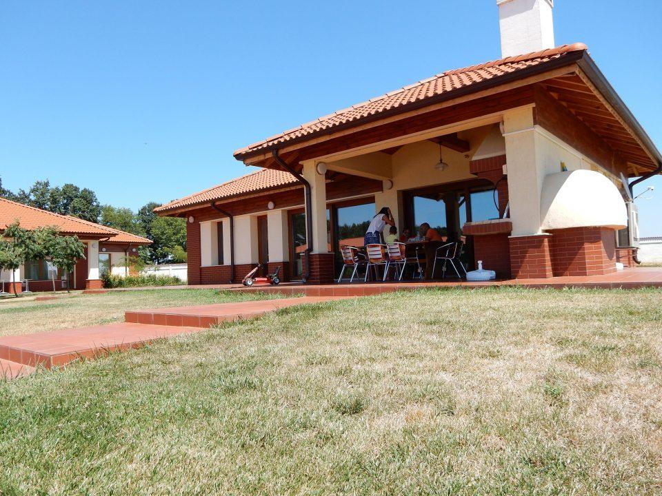 Къщи за гости с лятна кухня – стопански двор с. Ситово