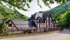 """Къща за гости """"Бавария"""", прераснала в семеен хотел """"Апостолите"""""""